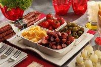 Zatroszcz się o estetyczną oprawę potraw i nabądź gustowne nakrycia stołu