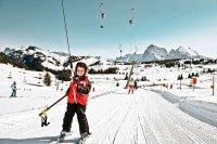 Stok narciarski, dziecko, narciarze