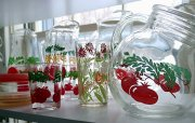 dekorowany szklany zestaw naczyń do kuchni