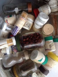 słoiczki z tabletkami