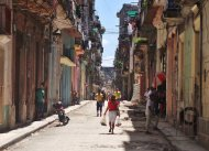 Czemu warto wybrać się na wczasy na Kubę? Prześwietlamy jedną z najpopularniejszych wysp na Karaibach.