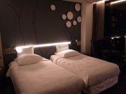 łóżka w hotelu
