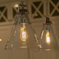 Stosowne oświetlenie jest podstawą, w związku z tym już dzisiaj zatroszcz się o to, żeby zakupić właściwe lampy do własnego domu